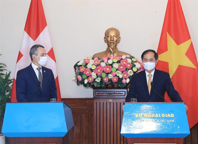 Vietnamese foreign minister proposes Switzerland continue with vaccine assistance
