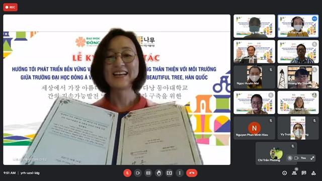 S Korean  Đông Á University sign sustainable development deal