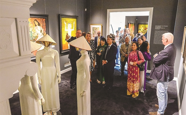 Painting exhibition about Việt Nam opens in the Netherlands