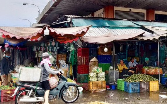 14 traders allowed to delivergoodsat HCM City wholesale market to ensure food supply