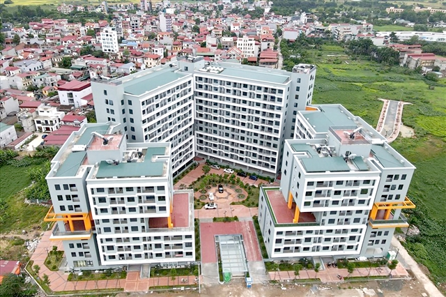 State Bank of Vietnam draft regulations on social housing lending cause controversy.
