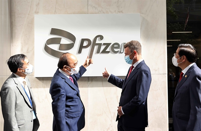 President Phúc visits Pfizer headquarters in New York urges speeding up vaccine delivery in deal