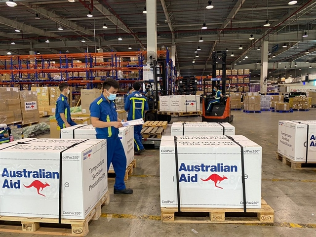 Further donation of 300000 vaccine doses from Australia arrives in Việt Nam