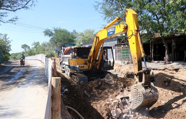 Ninh Thuận administration orders speedup of land handover to upgrade highway