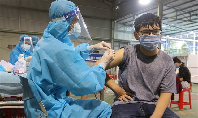 HCM City considers issuing vaccine green cards