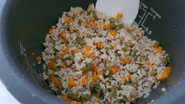 A lazy rice-cooker dish