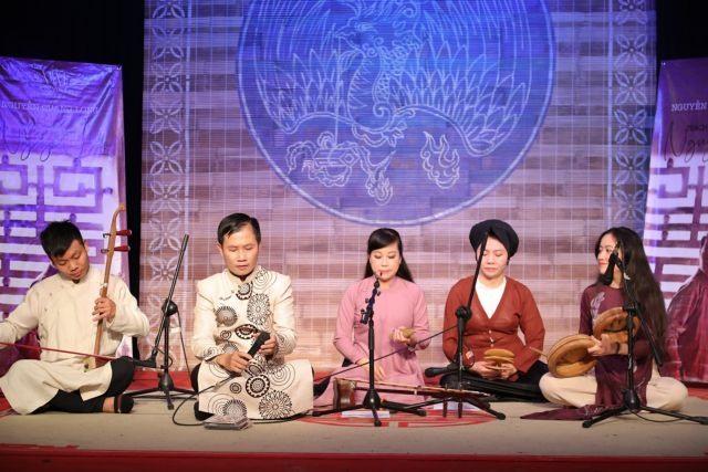 Music critic composer releases debut album of xẩm singing