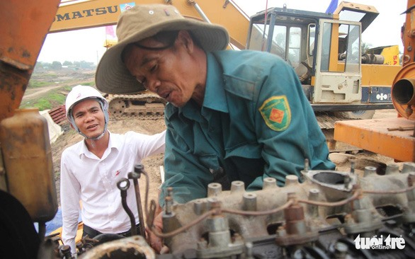 Tết far from home for road construction workers