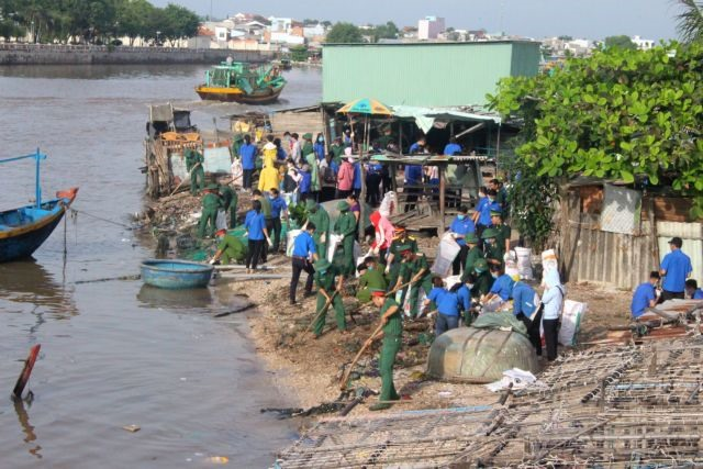 Integrating resources for reduction of ocean waste in Bình Thuận
