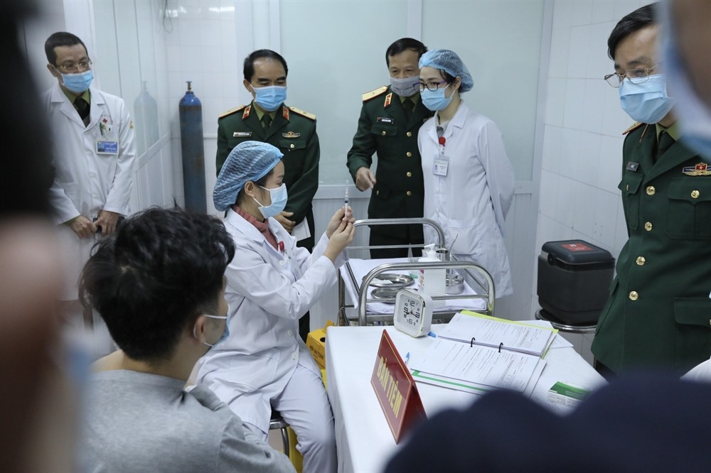 VN starts injection of homegrown COVID-19 vaccine in first-stage human trial