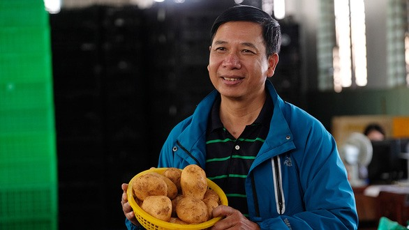 Farmers and companies linked together to join potato production chain