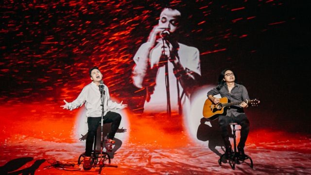 Divo Tùng Dương reunites with late rocker in new music video