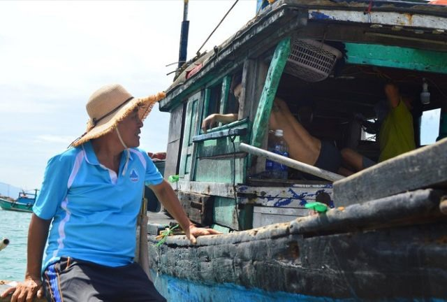 Đà Nẵng fishermen protect seafood resources