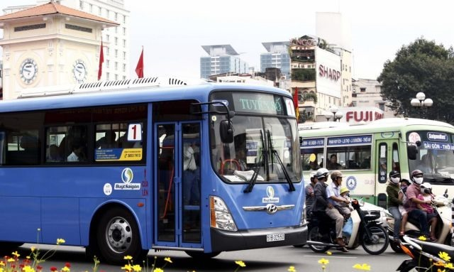 HCM City to open five electric-bus routes for 2-year trial run