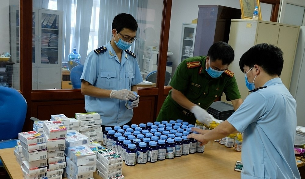 Over 75000 cases of smuggling trade fraud and counterfeit goods detected