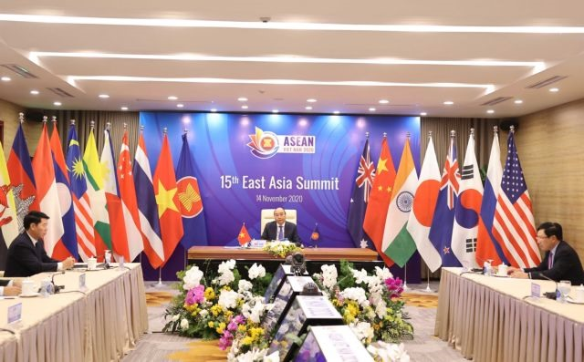 Việt Nam successfully escorts ASEAN through a tough year