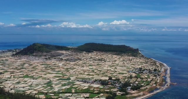 Solutions sought to promote sustainable development of Lý Sơn Island