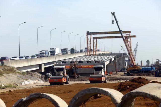 Vietnamese investors and contractors struggle due to higher steel price