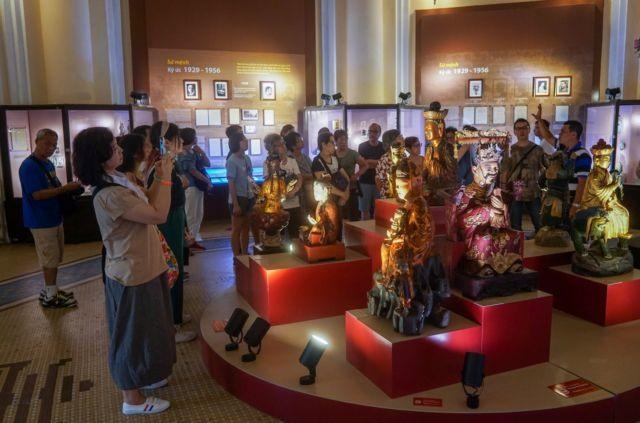 HCM Citys museums launchonline exhibitions