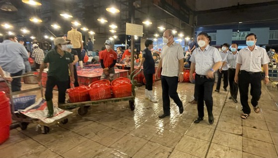 HCM City prepares to reopen traditional markets wholesale markets fromOctober 1