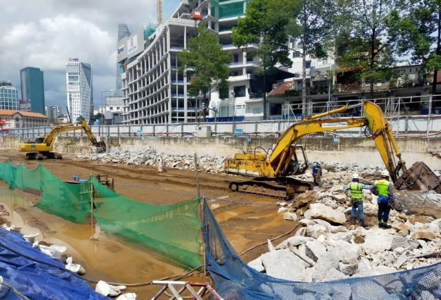 Work on22 major traffic projects in HCM City to resumeonFriday