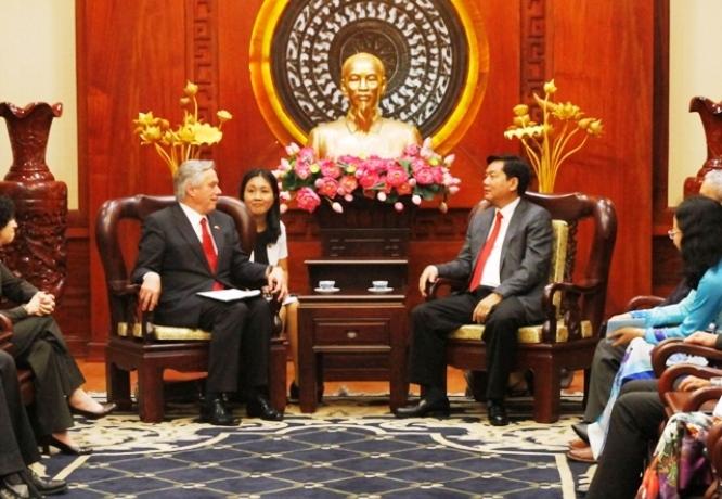 HCM City leader receives US Secretary of State advisor