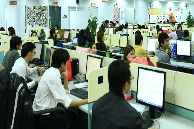 Japan to recruit 30000 IT engineers