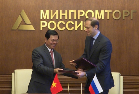 Russia VN sign new vehicle production deal