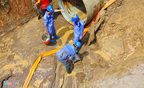 Contract delays water project