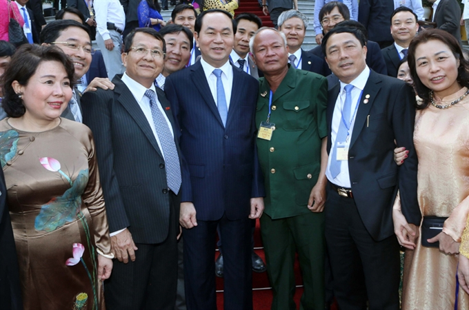 President Quang gives advice to community of entrepreneurs