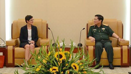 Việt Nam and US to strengthen ties in national defense