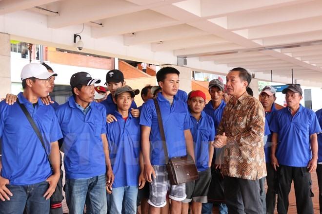 Indonesia releases 39 Vietnamese fishermen