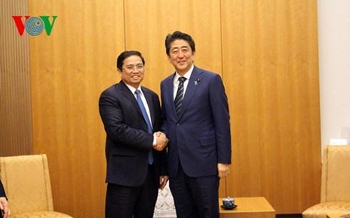 PM Abe wants closer ties between Japanese Vietnamese parties
