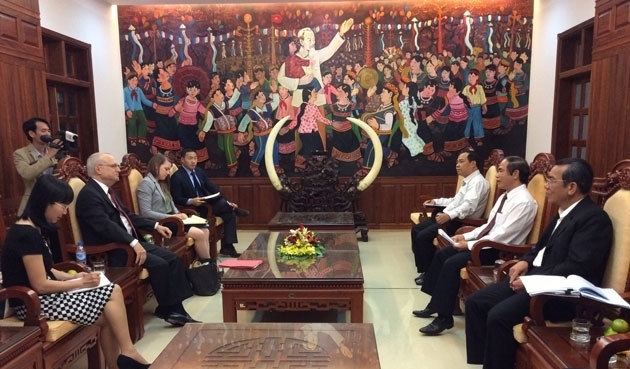 US takes facts finding tour of VN religions