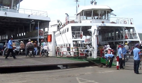 Đồng Nai wants City to pick bridge to replace Cát Lái ferry