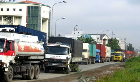 City wants to ease congestion at port