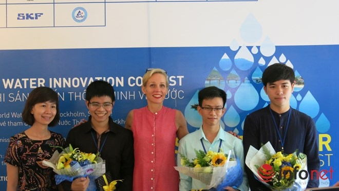 Team wins Smart Water prize