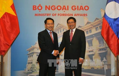 Foreign ministers to boost ties