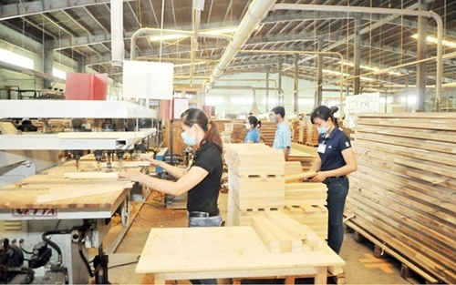 Vingroup subsidiary suspends loan swap with furniture firm