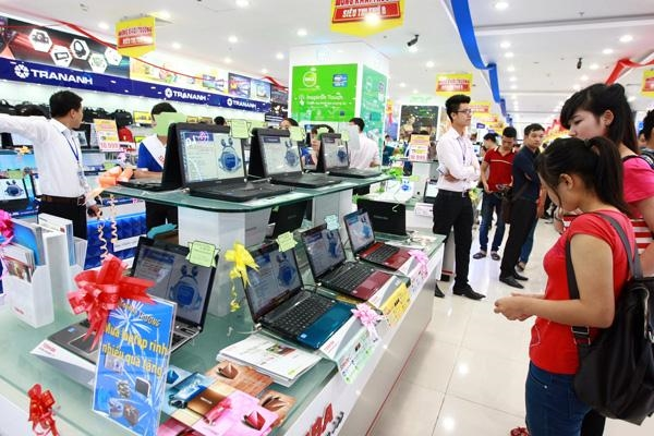 Laptop sales slowed by tablets