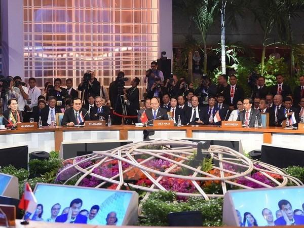 Việt Nam values partners commitments to ASEAN: PM Nguyễn Xuân Phúc