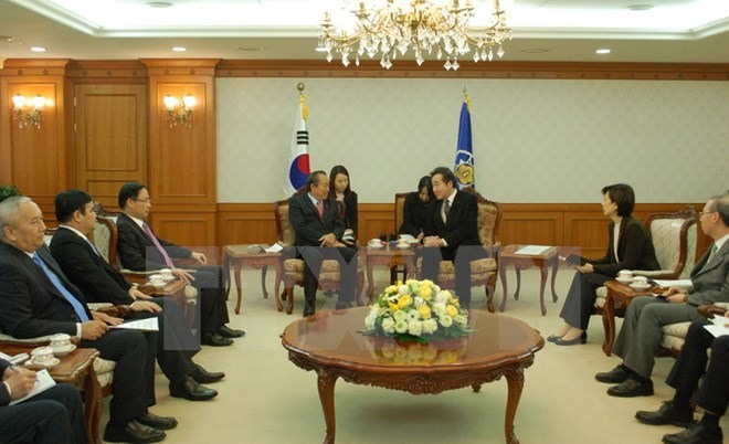 VN RoK strengthen strategic ties