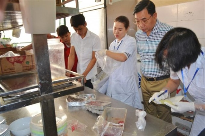 Food safety violations in Hà Nội on the increase