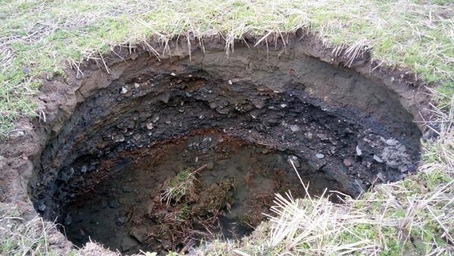 Sink holes plague Bắc Kạn Province