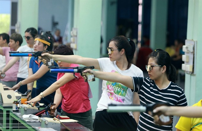 Thủy sets new record in national shooting event