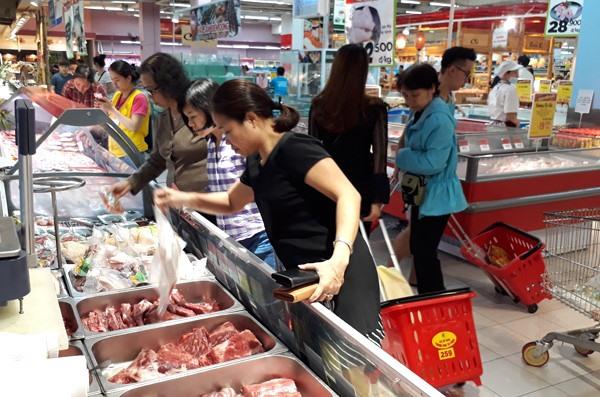 Farmers in need as pork prices plummet