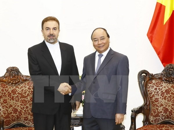 Prime Minister welcomes foreign guests