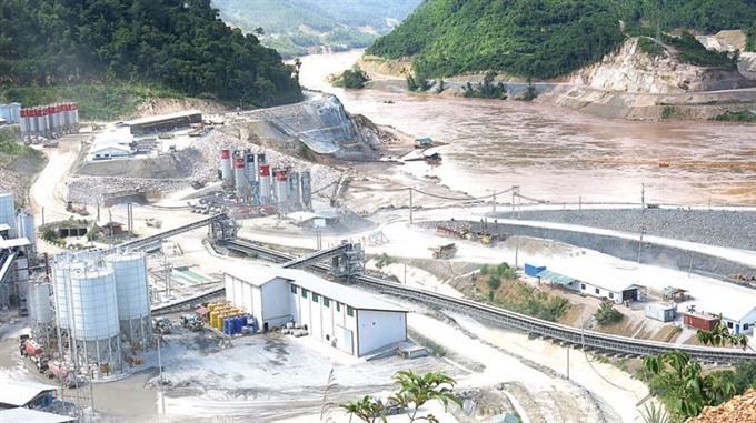 Mekong basin dams pose danger: experts