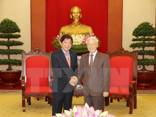 VN leaders welcome Singapore Party chief