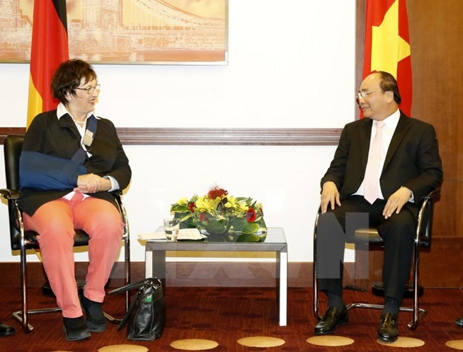 German minister supports stronger investment in VN